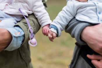 El incremento de los nacimientos múltiples dispara la demanda de productos para gemelos y mellizos