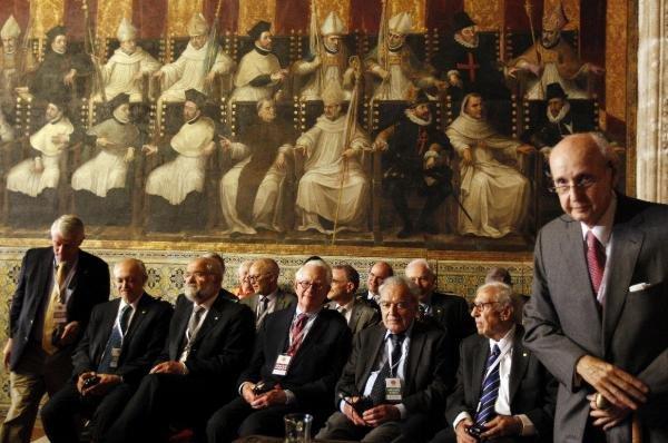 Los premios Jaime I, un modelo casi incógnito: Veinte Nobel en traje de andar por casa
