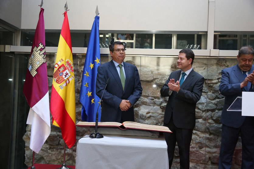 Javier Nicolás ha tomado posesión de su cargo en presencia de Emiliano García-Page