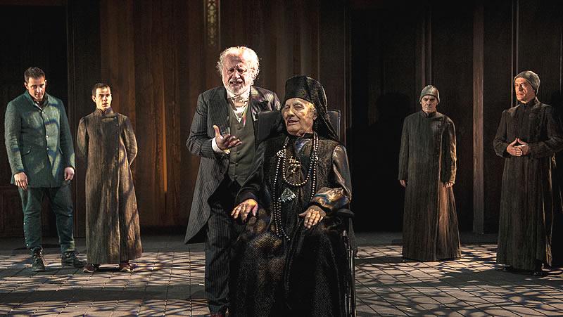 'Los hermanos Karamázov' y la perversidad del ser humano, en un montaje grandioso de Gerardo Vera