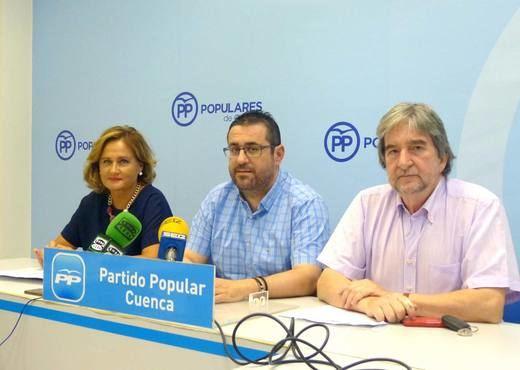 Montserrat Martínez , Carlos Algaba, y Pedro Jareño