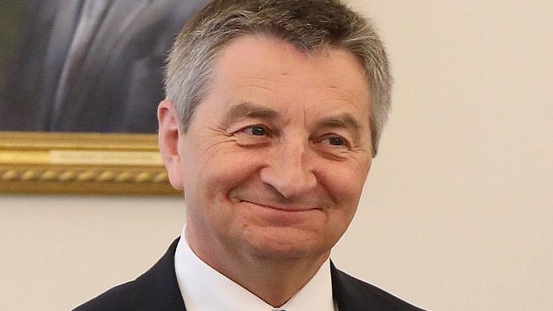 El presidente del Parlamento polaco dimite por usar el avión oficial para viajes en familia