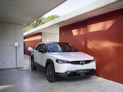 Iberdrola y Mazda firman un acuerdo de colaboración para impulsar la movilidad eléctrica