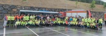 Espectacular simulacro de accidente de autobús en San Sebastián organizado por el Colegio Oficial de Enfermería de Gipuzkoa