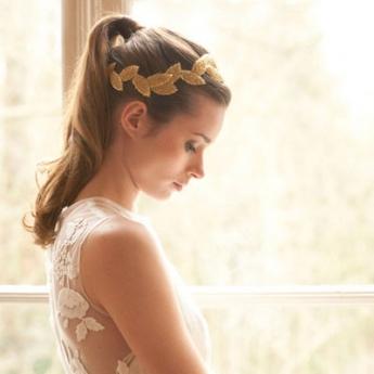 Los adornos de pelo para novia completarán los looks de este año