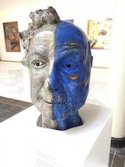 El radiólogo Teddy Cobeña gana 4 premios de escultura en 22 días