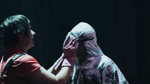 Crítica de la obra de teatro 'N.E.V.E.R.M.O.R.E.'