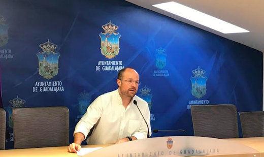 Ciudadanos critica que Guadalajara subvencione pantallas de plasma a la Iglesia