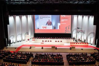 EAE Business School convoca a más de 3.000 personas en su ceremonia de graduación de Barcelona