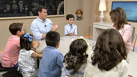 Rivera confiesa a los niños: 'Es imposible enfadarse con Rajoy'