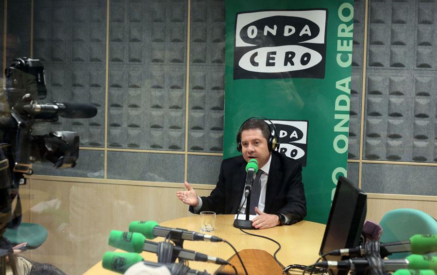 Page espera que Cospedal renuncie a su sueldo de diputada nacional tras quitárselo a los diputados regionales