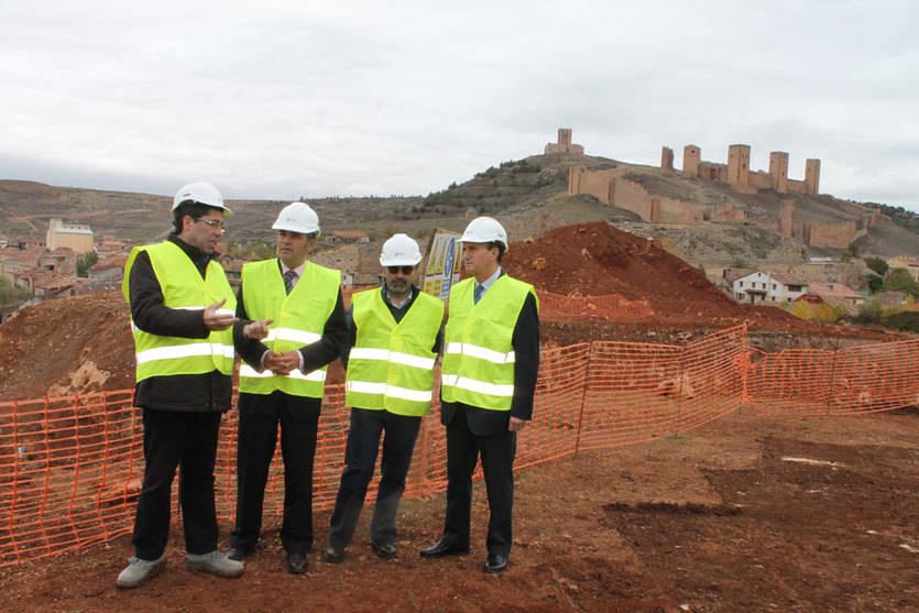El PP presume del Parador de Molina y el PSOE dice que tras siete meses de obra 'no se han puesto ni cimientos'