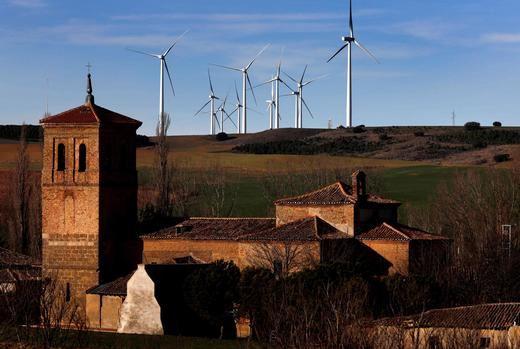 Iberdrola acelera sus inversiones en renovables en Castilla y León para la transformación verde de la comarca de Velilla