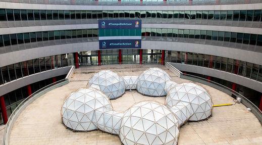 La COP25 llega a IFEMA junto a una gran instalación de Michael Pinsky 'Pollution pods'