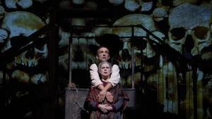Crítica de la obra de teatro 'Pedro Páramo': rencor vivo en Comala