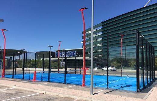 El Corte Inglés y Adidas inauguran una pista de padel profesional en Sanchinarro