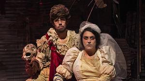 'Dolores. Con las alas del amor salté la tapia': la lucha titánica por sobrevivir de los hombres y mujeres del teatro