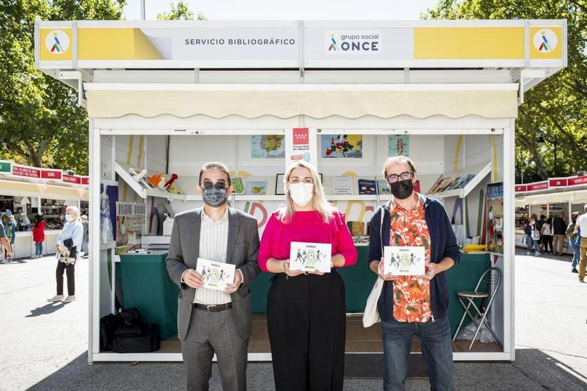 La ONCE explica con las viñetas humorísticas del libro 'Mira' cómo relacionarse con personas ciegas