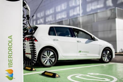 Iberdrola pisa el acelerador de la movilidad eléctrica: más inversiones y recargas más rápidas