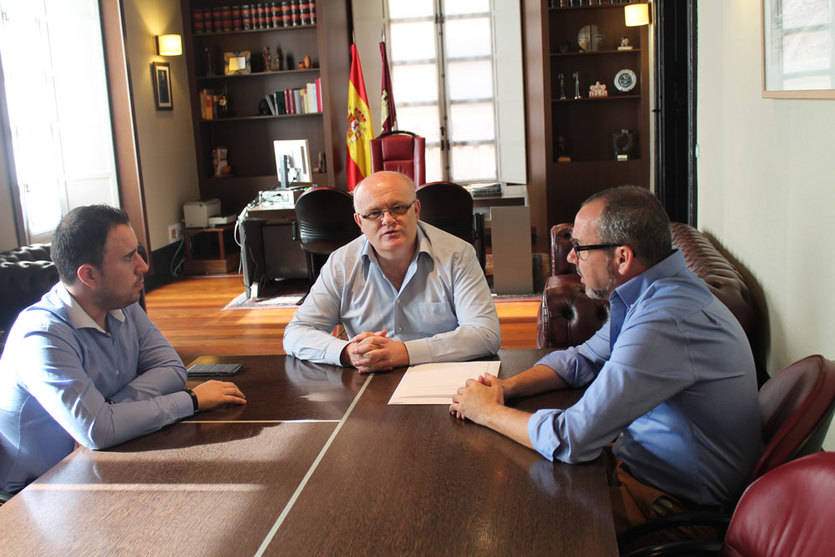 Villarrobledo, 400 demandantes de empleo en situación de emergencia social