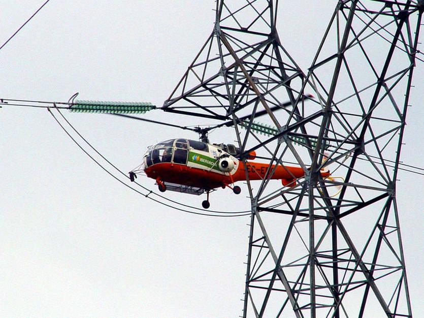 Iberdrola revisa 3.800 kilómetros de líneas eléctricas en Castilla-La Mancha para reforzar la seguridad de suministro en verano