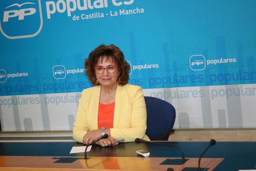 Riolobos no ocupará su escaño en las Cortes y seguirá como senadora