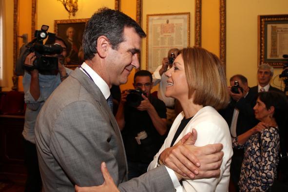 Cospedal ha apoyado a Antonio Román en la investidura en Guadalajara