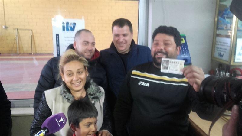 Una familia de Cebolla (Toledo) tenía 7 décimos del 59.435 con el quinto premio: '¡Qué Navidad más buena!'