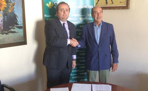 Caja Rural de Castilla-La Mancha ayudará a activar la venta de parcelas industriales en Santa Cruz de Mudela