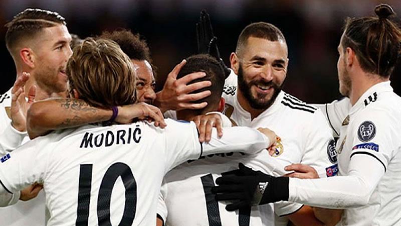 La suerte vuelve a sonreír a un Real Madrid que sale de Roma primero de grupo