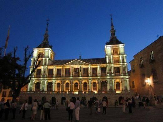Televisión Castilla-La Mancha retransmitirá las campanadas desde Toledo como inicio de la Capitalidad Gastronómica