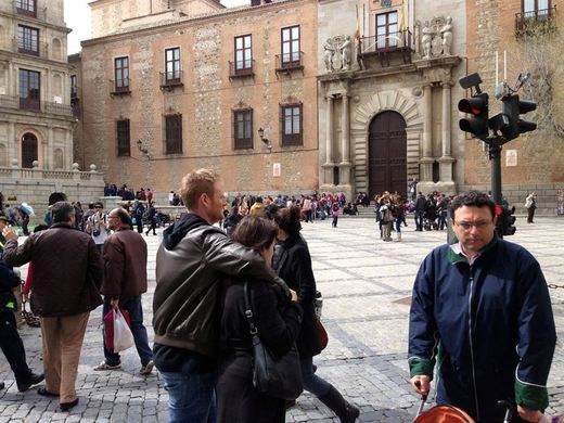 El pacto PSOE-Podemos incluye un Observatorio Ciudadano en Castilla-La Mancha