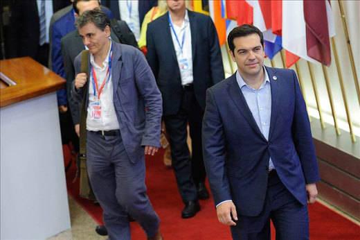 Tsipras quiere ver si en España ganan 'fuerzas parecidas' a Syriza antes de convocar elecciones