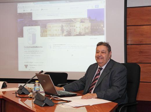Vaquero aboga por un Reglamento de las Cortes regionales que incluya sesiones de control al Gobierno