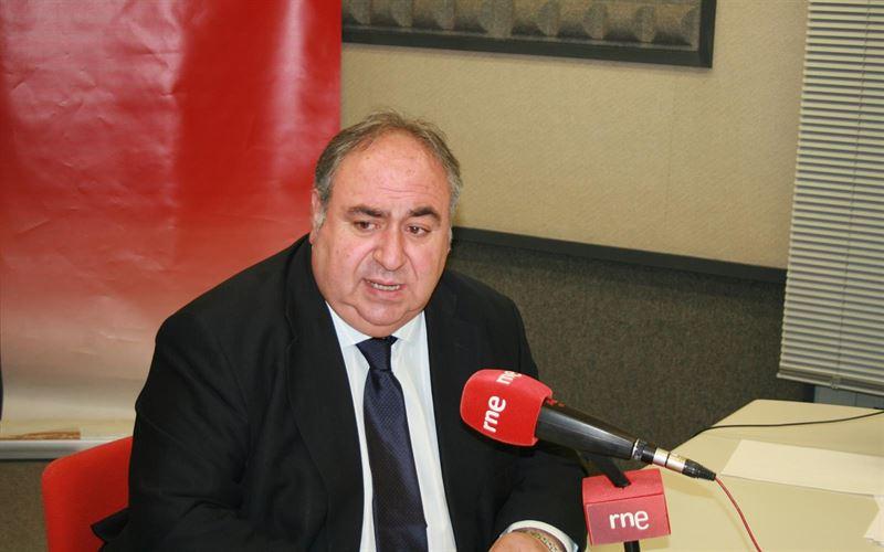 Vicente Tirado cree que a García-Page 'le viene grande el cargo'