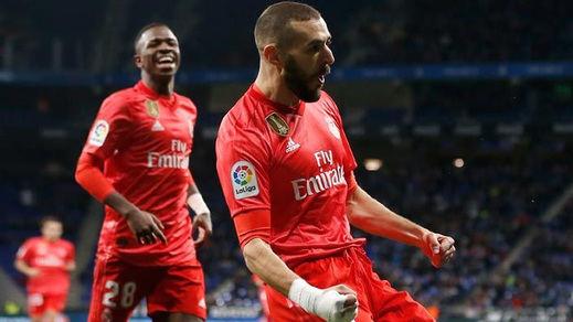 Benzema comanda a un Madrid renacido (2-4), pero no recorta puntos a un Barça imparable