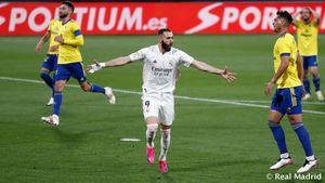 El Real Madrid, sin Superliga pero con SuperBenzema: 0-3 al Cádiz