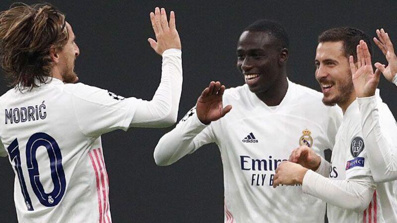 El Madrid triunfa en Milán y aclara su clasificación (0-2) mientras el Atleti sufrirá tras empatar con el Lokomotiv (0-0)