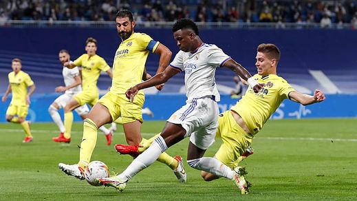 El árbitro y el Villarreal congelan al Madrid (0-0) y el Atleti se estrella peligrosamente en Vitoria (1-0)