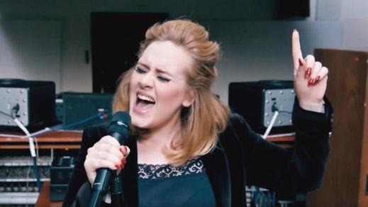 Adele desvela un avance de otra nueva canción: 'When We Were Young'