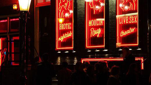 Las prostitutas de Ámsterdam se resisten a desaparecer del Barrio Rojo