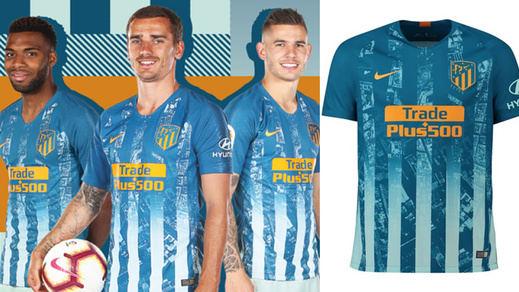 El Atlético lanza una tercera equipación blanca y azul en homenaje a Neptuno
