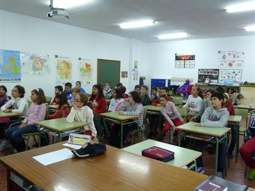 Habrá 750 plazas para profesores de primaria en las oposiciones de 2016 en la región