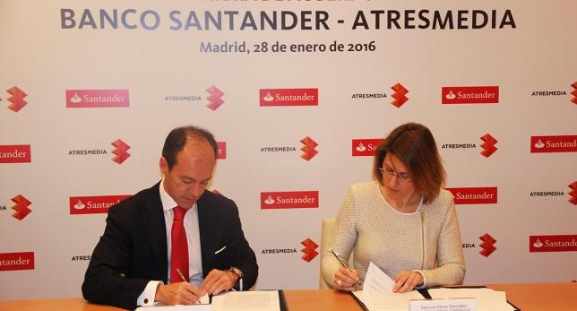 Banco Santander firma un acuerdo para apoyar el acceso de los estudiantes al mundo laboral