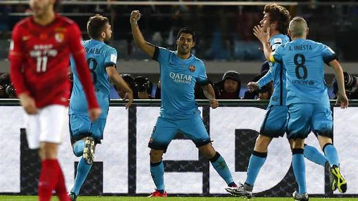 Un triplete de 'matador' Suárez conduce al Barça a la finalísima del Mundialito (3-0)