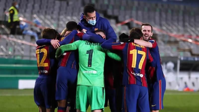 Los jugadores del Barça celebran el pase a la final