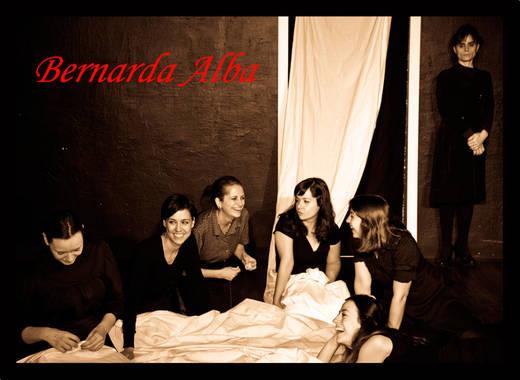 'La casa de Bernarda Alba', de la compañía Martes Teatro, un montaje naturalista excelente del drama de García Lorca