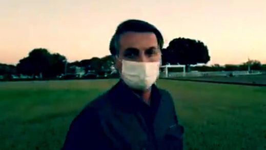 Bolsonaro vuelve a dar positivo a coronavirus y sigue confinado en Brasilia