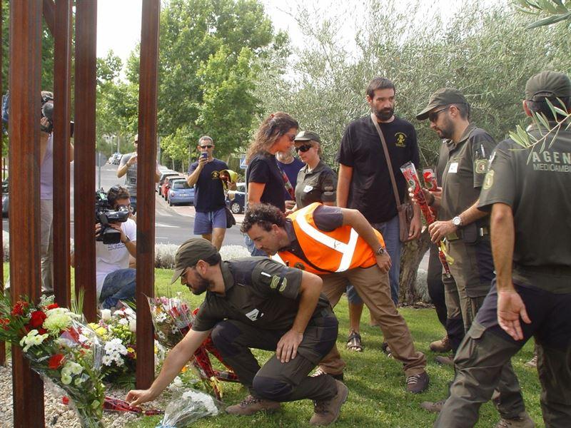Agentes forestales y bomberos celebraron un acto al margen de las instituciones