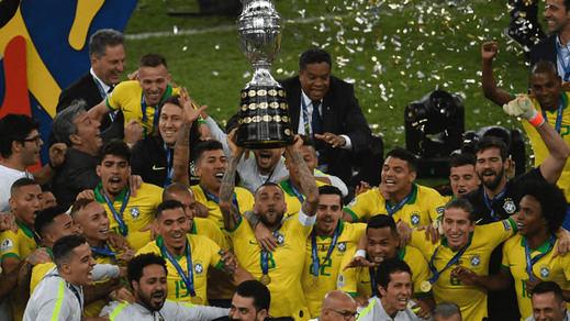 Brasil evita un 'maracanazo' y se lleva su novena Copa América a costa de una guerrera Perú (3-1)